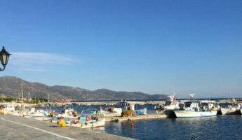 Le port de Karystos