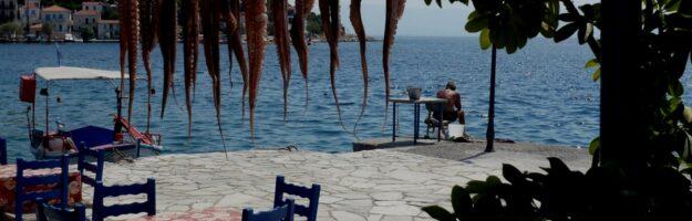 taverne mezzes bord de mer grece