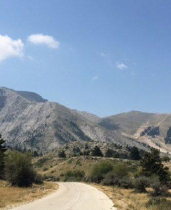 Mont Chelmos mpontagne proche athènes kalvryta zarouchla