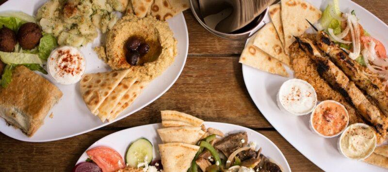 Visiter Athènes sous la pluie : découvrir la gastronomie grecque