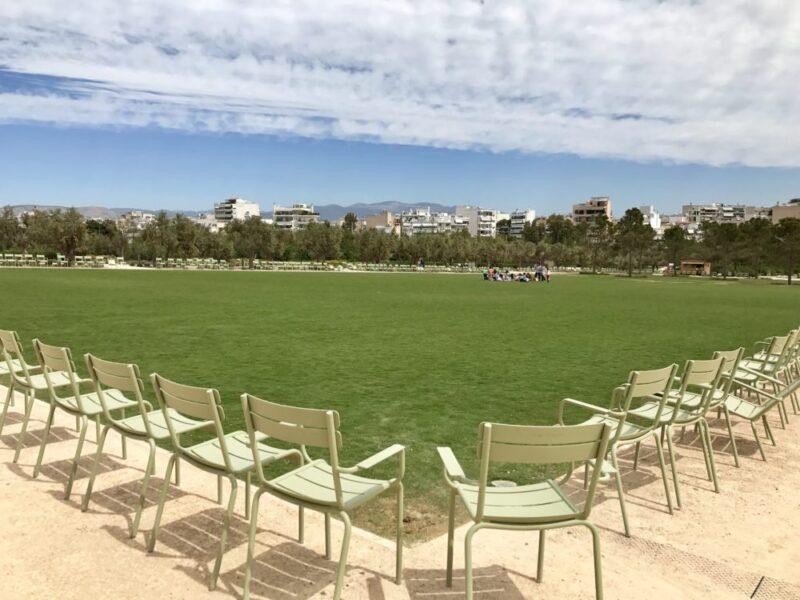 pelouse du parc stavros niarchos à athènes