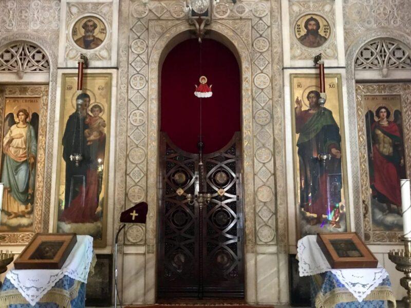 L'intérieur de l'eglise russe orthodoxe d'athènes