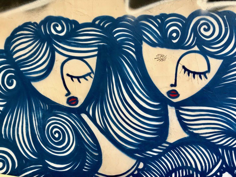 Street-art et graffitis à Athènes : les princesses endormies de Sonke
