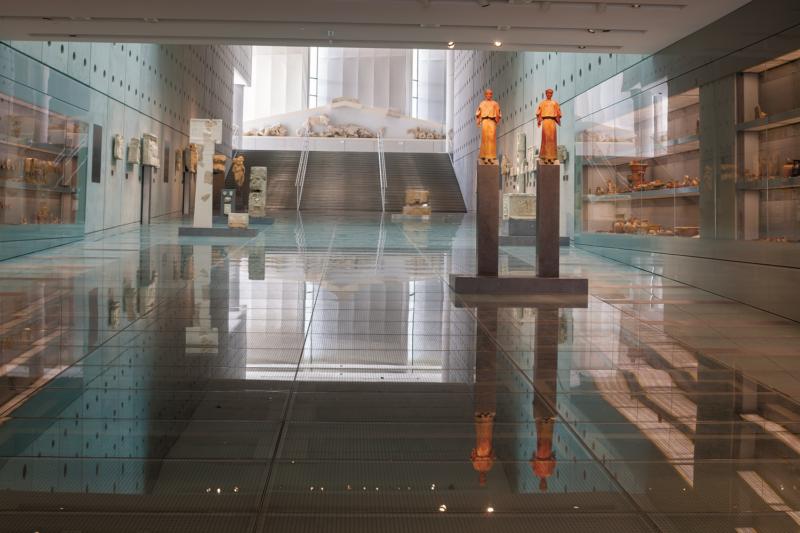 La galerie des pentes de l'Acropole au musée de l'acropole d'athènes