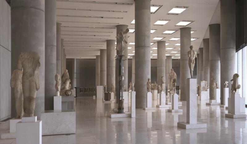 la galerie archaïque du musée de l'acropole à athènes