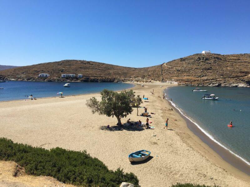 plage de Kolona Kythnos