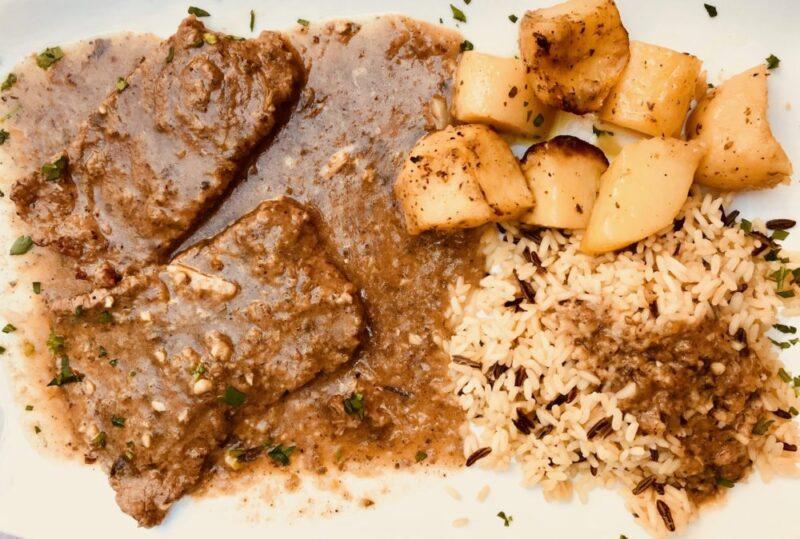 La recette traditionnelle grecque du Sofrito de Corfou