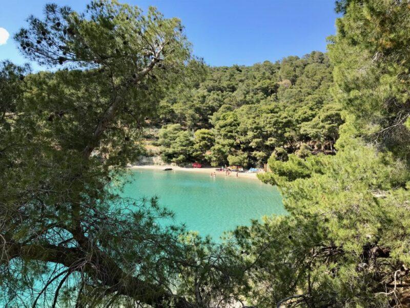 Poros, une île grecque proche d'Athenes - les plages