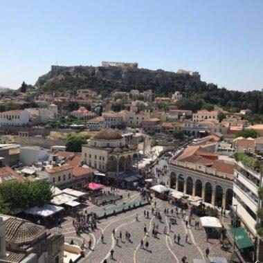 visiter Athènes - place Monastiraki Acropole