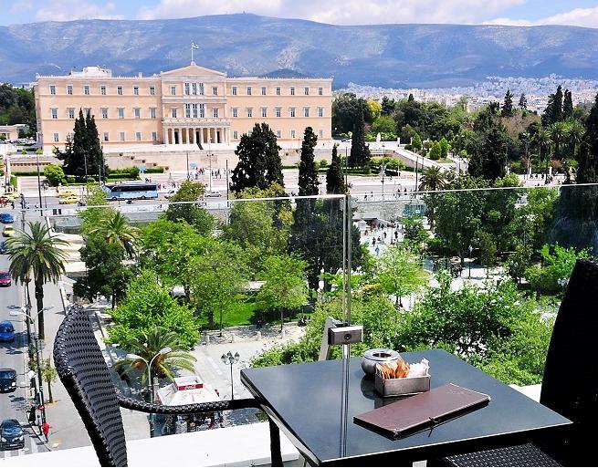 terrasse avec vue Athenes sur syntagma terrasses à Athènes