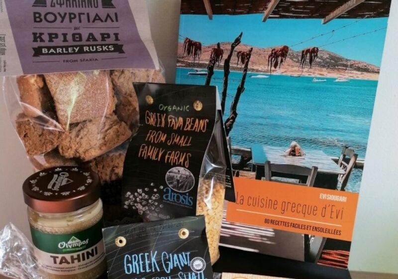 panier gastronomique grec livre de cuisine et produits pour réaliser les recettes