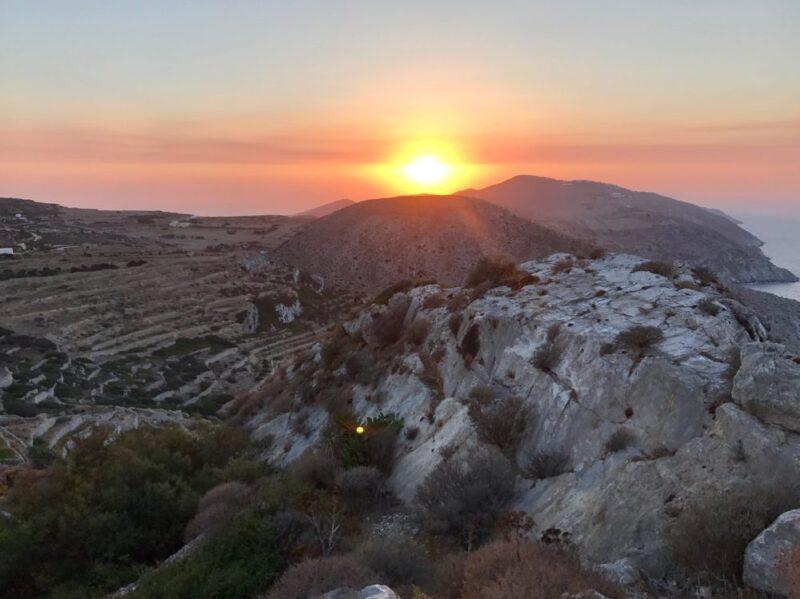 Une ile grecque pas touristique : Folegandros