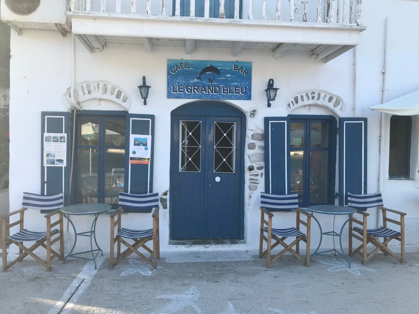 Le bar le grand Bleu à Amorgos Cyclades