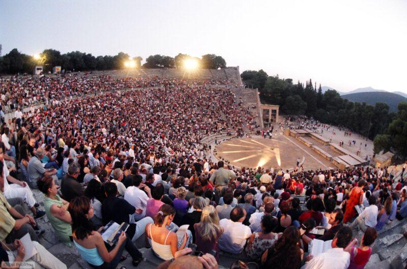 L'ancien théâtre d'epidaure lors du festival d'epidaure