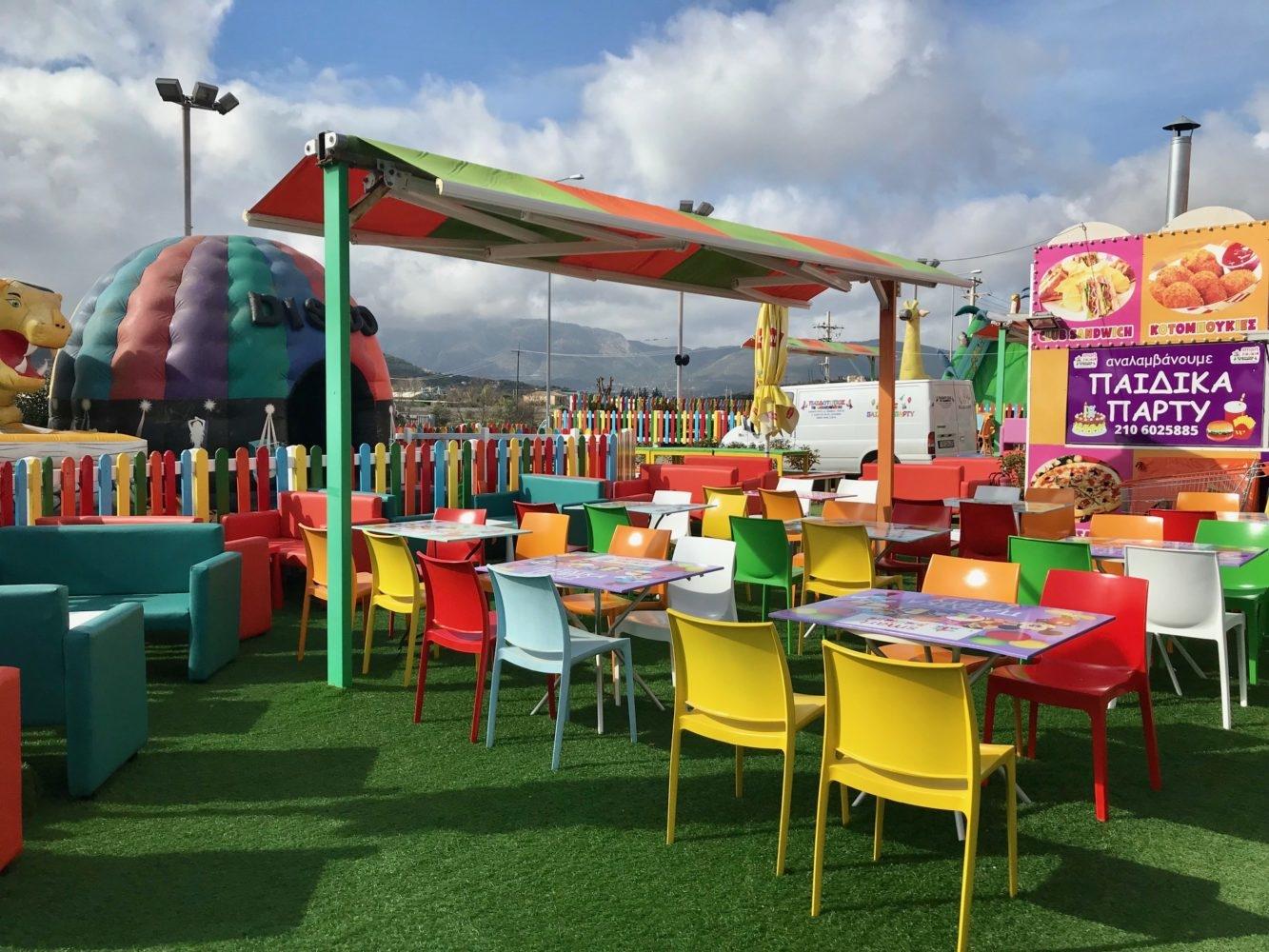 Activité pour enfants à Athènes : les jeux gonflables du smart playland de spata
