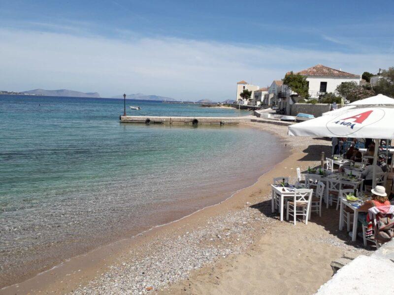 La taverne Akrogiala à Spetses