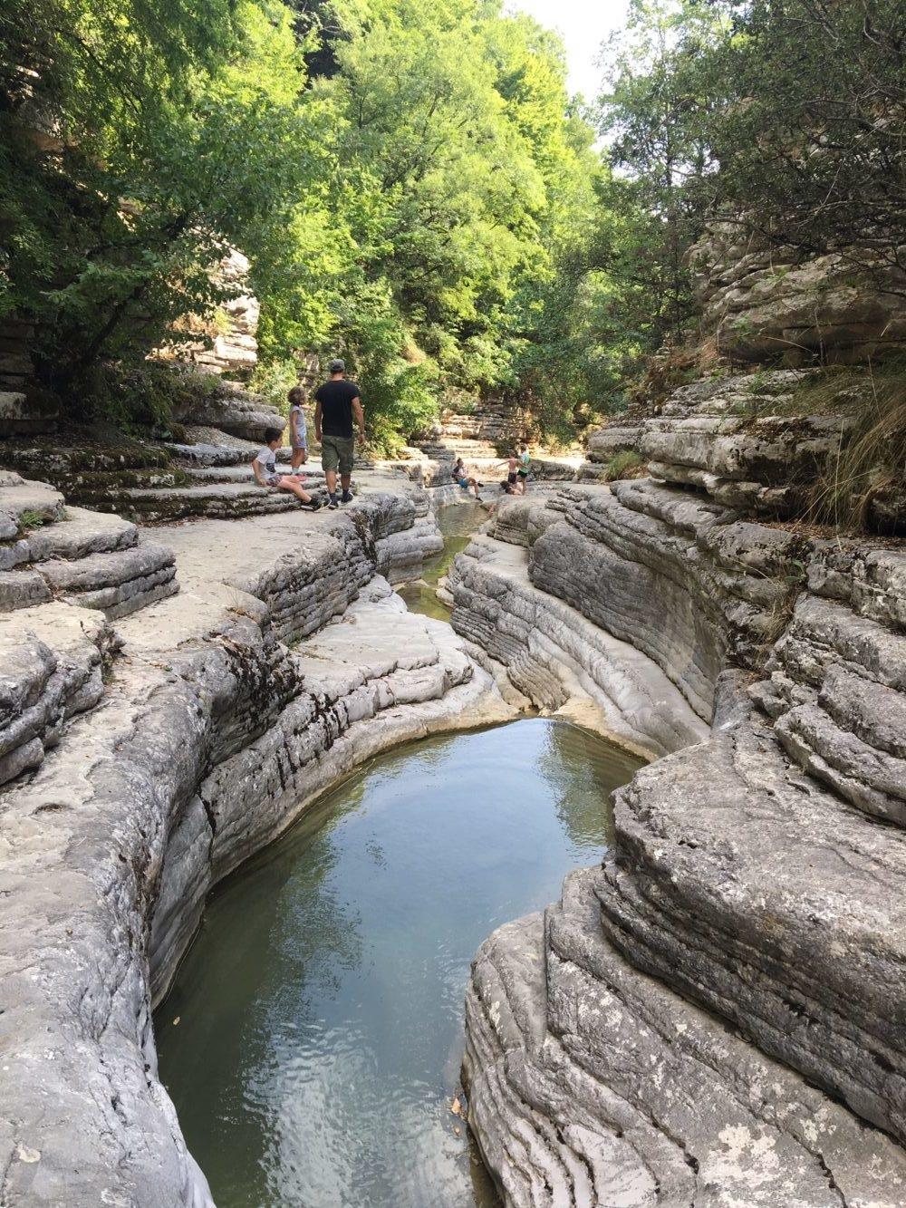 piscines naturelles papingo zagories nord de la Grèce