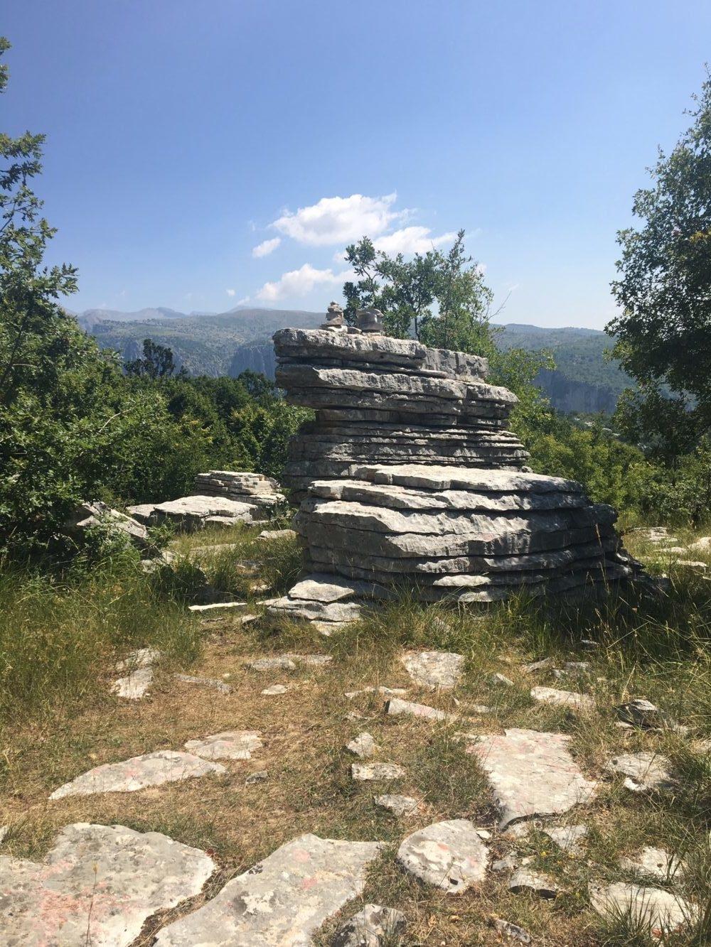 stone forest monodendro zagories nord de la Grèce