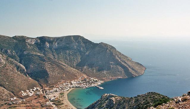 La plage de Kamares à Sifnos
