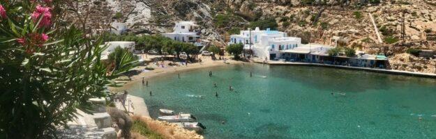 La plage de Cheronissos à Sifnos