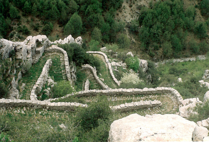 vradeto randonnée escaliers de pierre