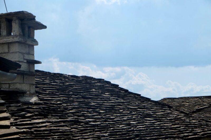 toit de lauzes epire zagories villages maisons traditionnelles