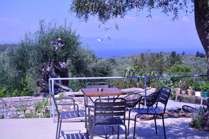 averto magasia restaurant terrasse vue paxos