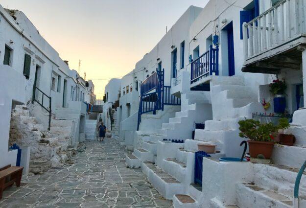 Pour les maisons dans les cyclades sont elles blanches et bleues