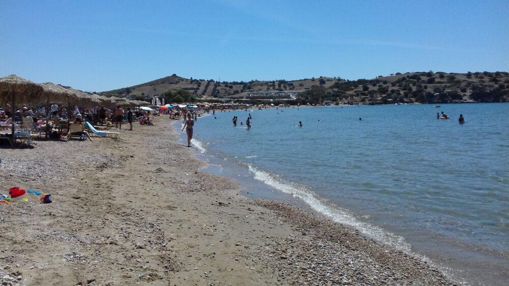 Des Plages à athènes : Charakas une plage à Sounion - plage athenes