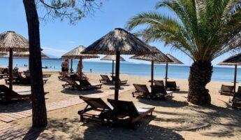 Moraitis Beach à Schinias Athènes : une plage sympa près d'athènes