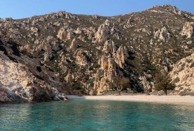L'île de Polyaigos en Grèce : une île grecque avec des plages de rêve